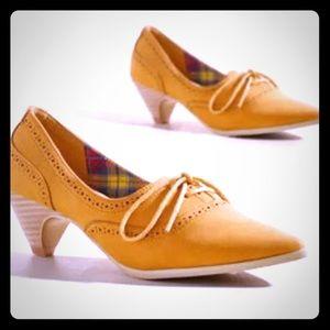 ModCloth Mustard Yellow Oxford Kitten Heels